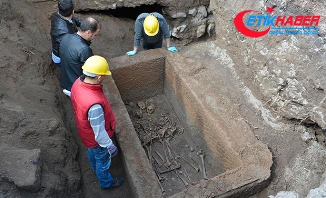Kayseri'de bulunan lahit açıldı! İçinden mezar hediyeleri çıktı