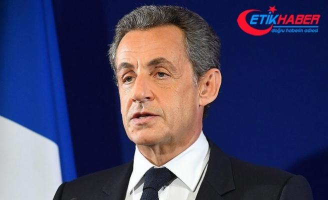 Sarkozy geceyi evinde geçirdi