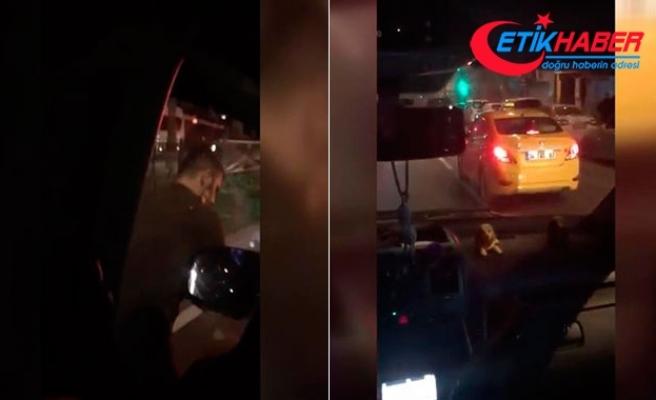 Trafikte taksi şoförü ile UBER sürücüsünün kavgası.