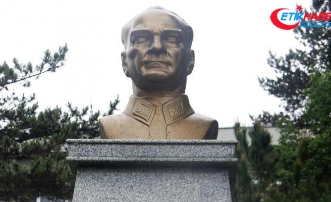 Atatürk büstüne saldırdığı iddia edilen zanlıya 79 yıl hapis istemi