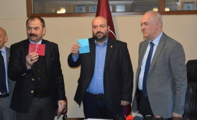 Trabzonspor'da başkan adayları listelerini teslim etti