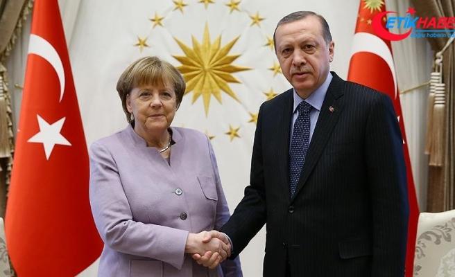 Erdoğan, Merkel ile Filistin'i görüştü
