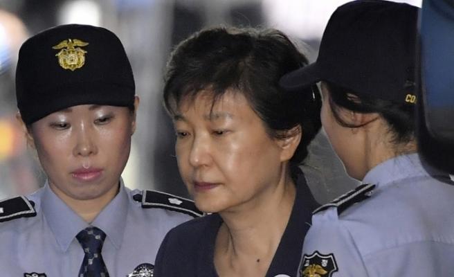Güney Kore eski devlet başkanına 24 yıl hapis cezası