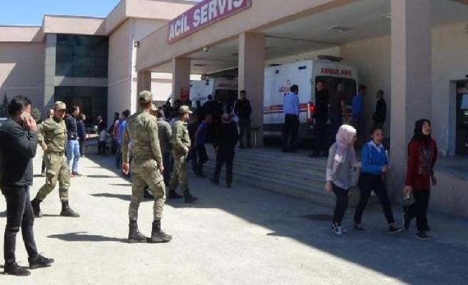 Iğdır'daki tabura teröristlerden taciz ateşi: 1'i ağır 2 asker yaralı