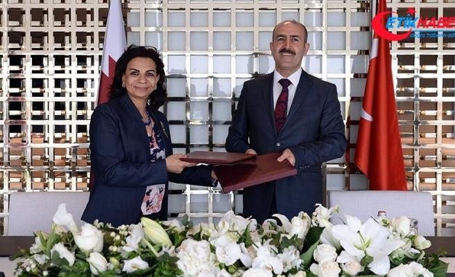 Katar kütüphanesinde Türkiye bölümü