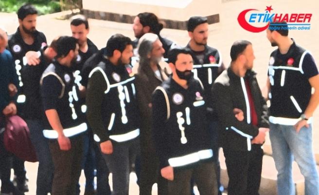Kocaeli'de gaybubet evlerine operasyon: 11 gözaltı