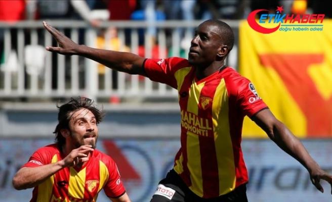 """Demba Ba, """"Galatasaray'a Gidiyor musun?"""" Sorusuna Yanıt Verdi"""