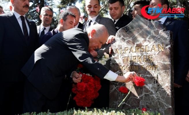 MHP Lideri Bahçeli: Emaneti emin ellerde yükseltmeye olan andımız son nefesimize kadar bakidir