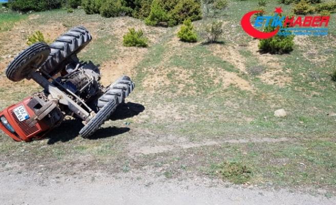Pikniğe giden liselilerin traktörü devrildi: 1 ölü, 3 yaralı