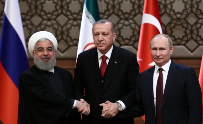 Putin: Türkiye, Rusya ve İran'ın ortak kararı Suriye'nin egemenliği ve toprak bütünlüğünün sağlanmasından yanadır