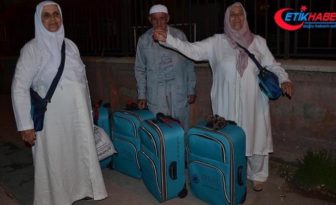 Vatandaşları umre yerine Balıklıgöl'e götürenler şartlı serbest bırakıldı