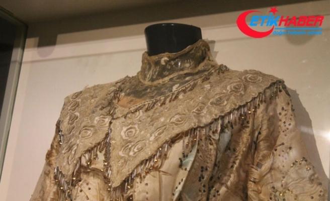 106 yıllık gelinlik Samsun'da sergileniyor