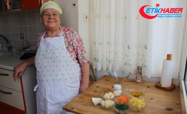 77'lik 'Youtuber' Saniye anneden iftar menüsü