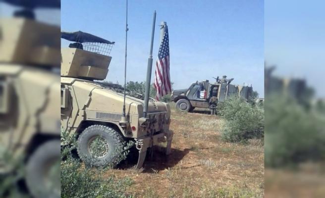 ABD ve Fransa askeri konvoyu Menbiç'e girdi