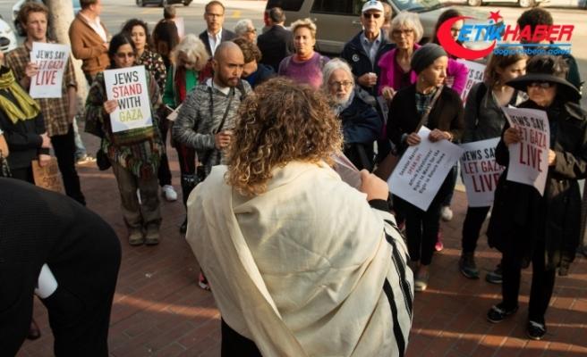 ABD'de Yahudiler İsrail'i protesto etti