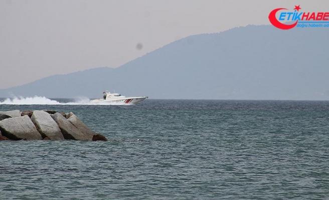 Ayvalık'ta kayıp 4 balıkçıyı arama çalışmaları sürüyor