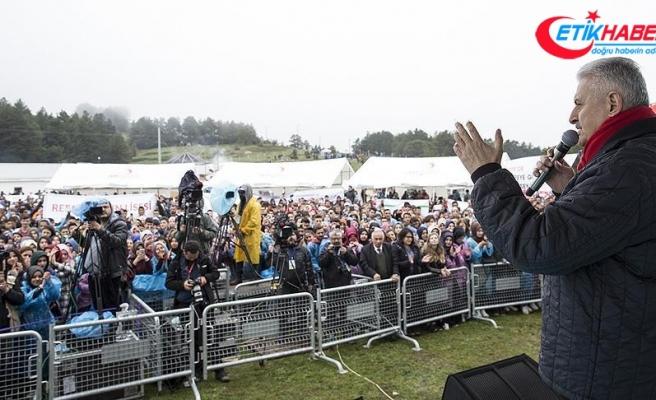 Başbakan Yıldırım: Gençlerimiz ülkemizin bugününün de yarınının da teminatıdır