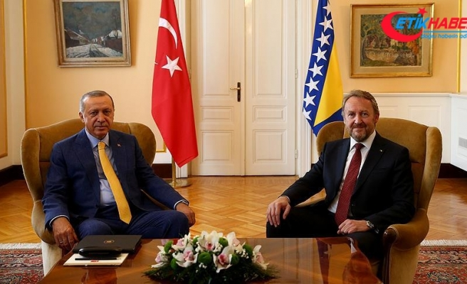 Cumhurbaşkanı Erdoğan, İzzetbegovic ile bir araya geldi