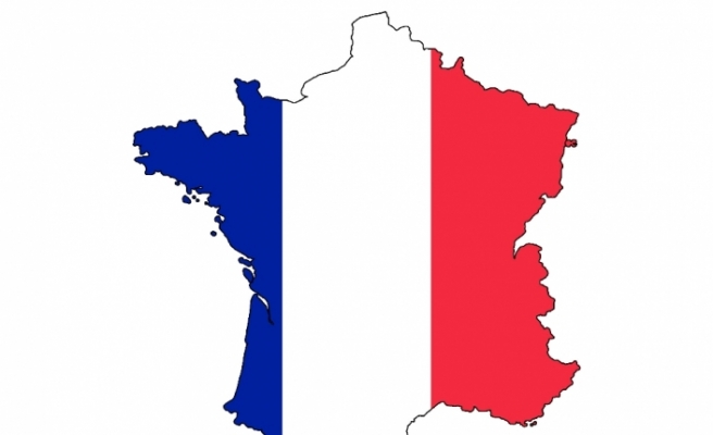 "Macron'un ""sağ koluna"" soruşturma"