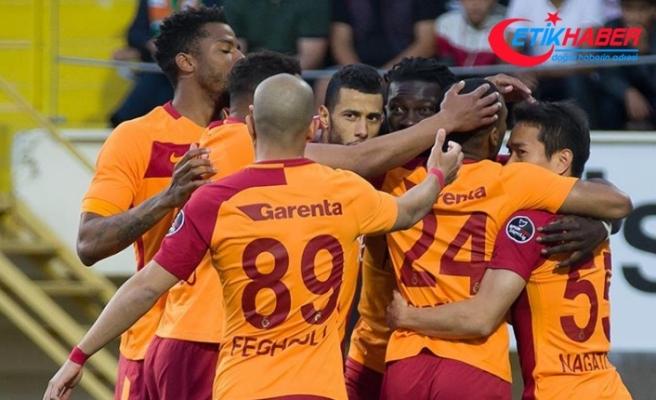 Galatasaray'da 18 futbolcunun ilk şampiyonluk heyecanı