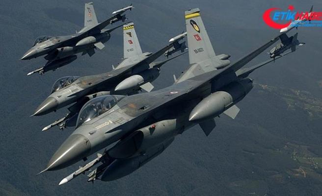 Hakurk'ta teröristlerin silah mevzilerine hava harekatı
