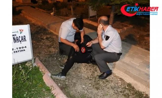 İlk Kez Görüntülendi! Mezarlıkta Ağlayan Gizemli Kız, Tekrar Gelince Yakalandı