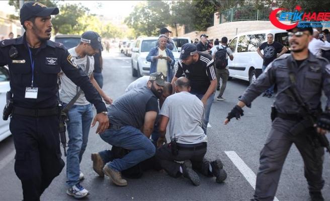 İsrail askerleri Gazze sınırında bazı Filistinlileri gözaltına aldı