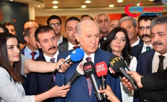 """MHP Lideri Bahçeli'den """"100 bin imza"""" için FETÖ uyarısı"""