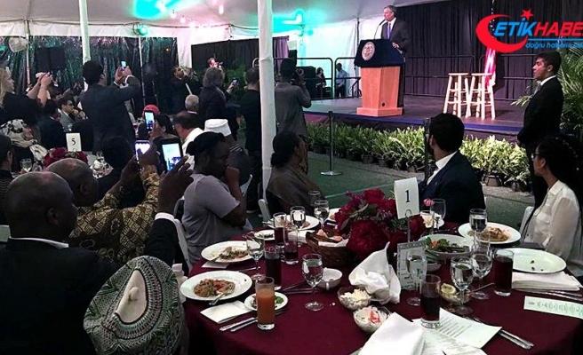 New York Belediye Başkanı de Blasio Müslümanlara iftar verdi