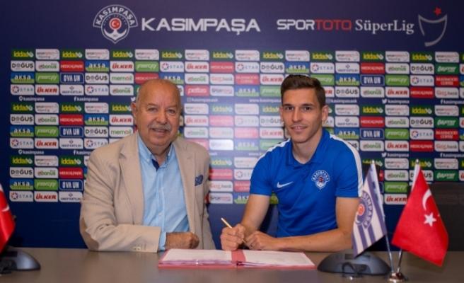 Pavelka ile sözleşme yenilendi