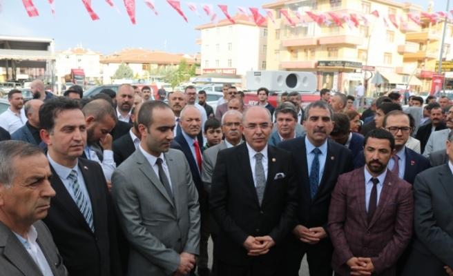 MHP'li Karakaya: Orada bir parti var, 15 milletvekilini 18 günlüğüne kiraya verdi