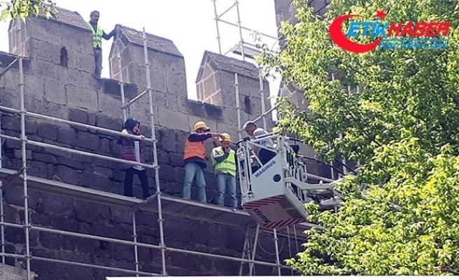 Tarihi kalede bayılan işçiyi kurtarma operasyonu