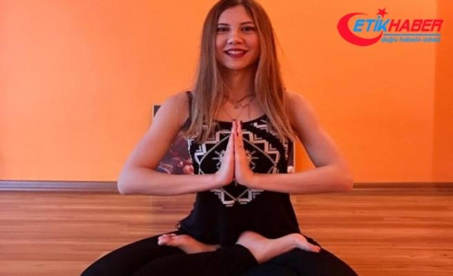 Yoga yapmak stresten arındırıyor