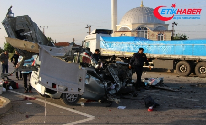 Amasya'da feci kaza: 3 ölü, 6 yaralı