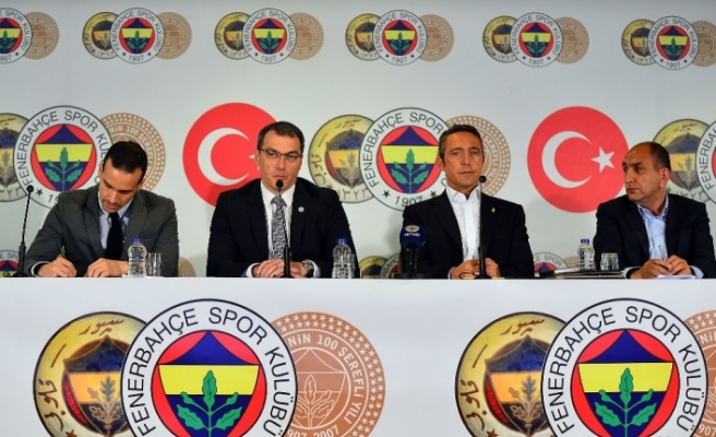 Fenerbahçe Damien Comolli'yle sözleşme imzaladı