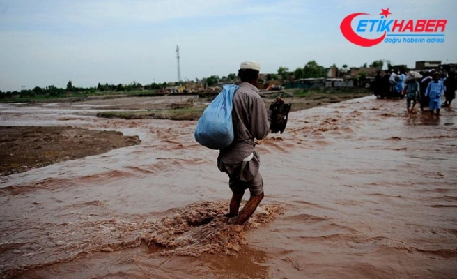 Hindistan'da aşırı yağış 13 can aldı