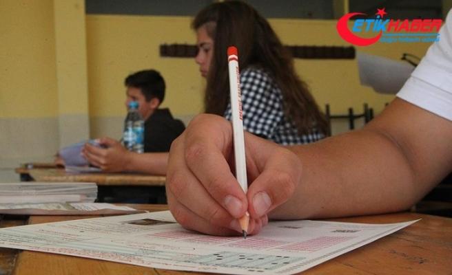 Liselere girişte ilk kez uygulanan merkezi sınav yapıldı