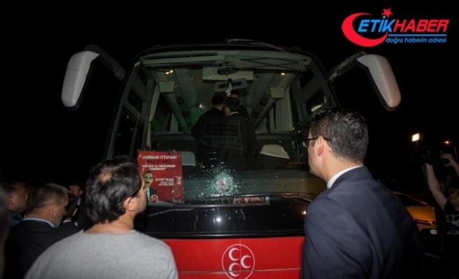 MHP seçim otobüsüne hain saldırı