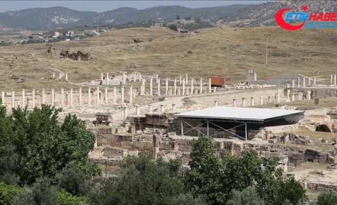 2 bin yıllık 'mozaikli villa' bulundu