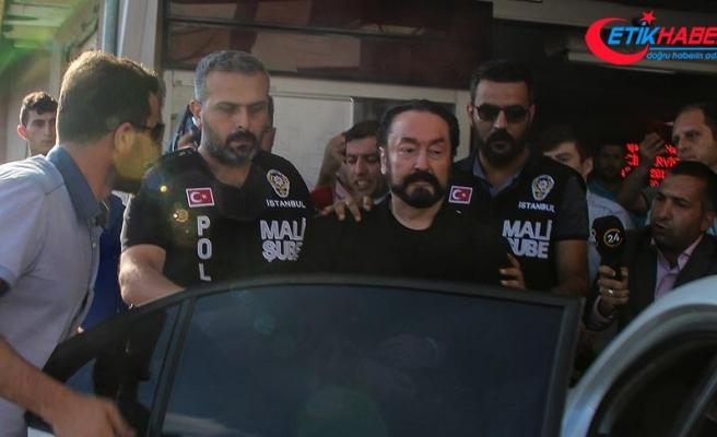 Rektör Adnan Oktar soruşturması kapmasında görevden alındı