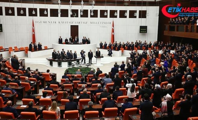 AK Parti'den yemin töreninde ayağa kalkmayan CHP'ye tepki