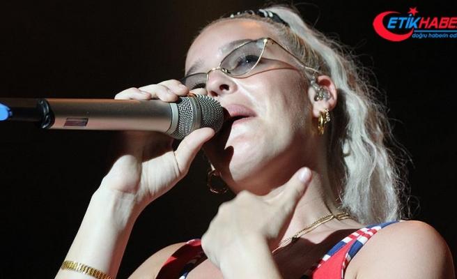 Anne Marie Antalya'da konser verdi