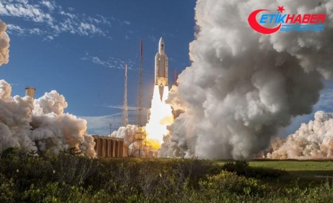 Avrupa Uzay Ajansı 4 uyduyu birden fırlattı