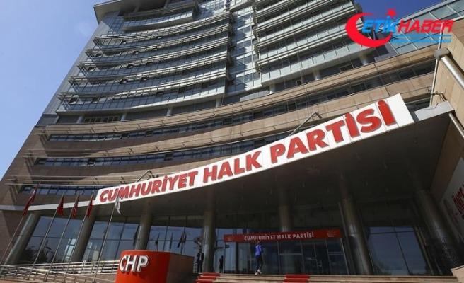 CHP'de 'değişimin' hangi yönde olacağı tartışılıyor