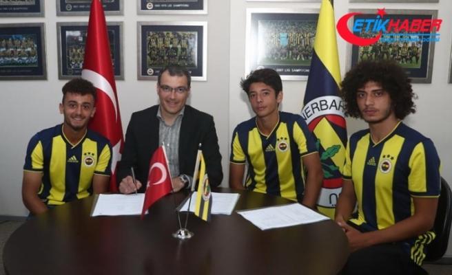 Fenerbahçe 3 genç oyuncusuyla profesyonel sözleşme imzaladı