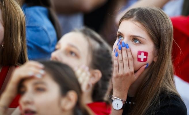 """FIFA'dan televizyonlara """"güzel kadın"""" uyarısı"""