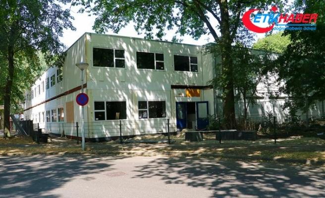 Hollanda'da kapanması gereken FETÖ okulunu belediye ayakta tuttu