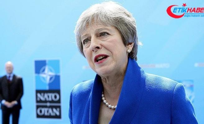"""İngiltere Başbakanı May'den """"Rusya"""" uyarısı"""