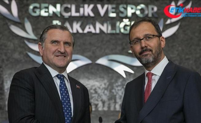 Mehmet Kasapoğlu görevi Bak'tan devraldı
