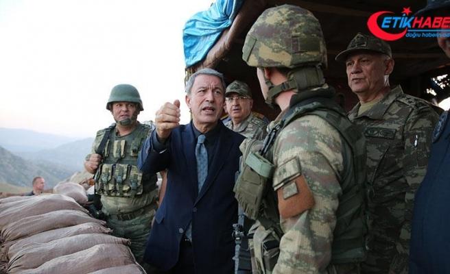Milli Savunma Bakanı Akar ilk ziyaretini Dağbaşı Üs Bölgesi'ne yaptı